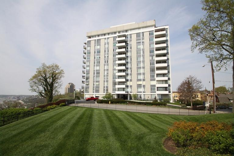 2401 Ingleside Ave, 2C Walnut Hills, OH