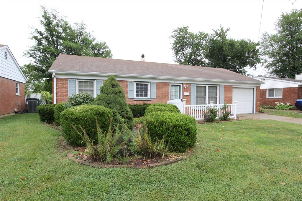 8438 Chesswood Dr Groesbeck, OH