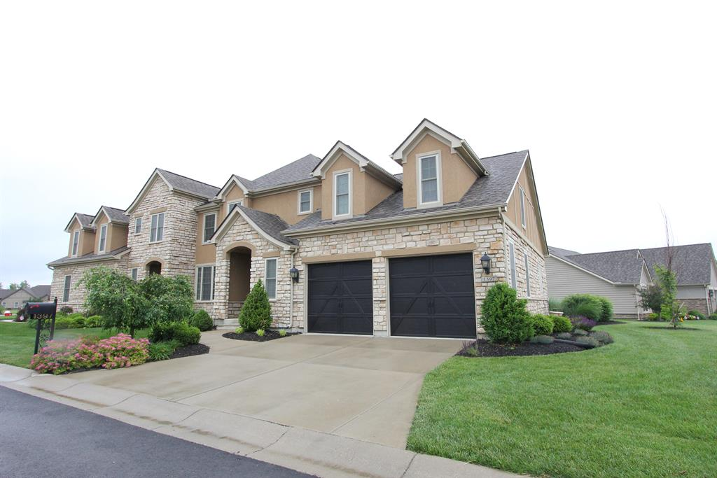 1397 Chantilly Ln Clearcreek Township, OH