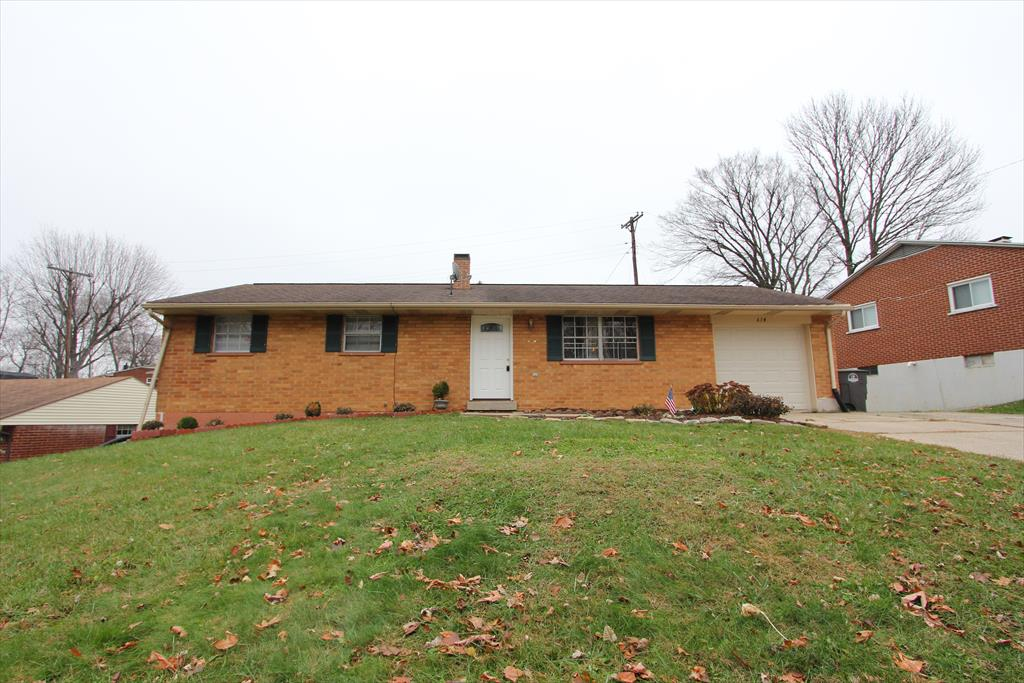 614 Maple Hill Dr West Carrollton, OH