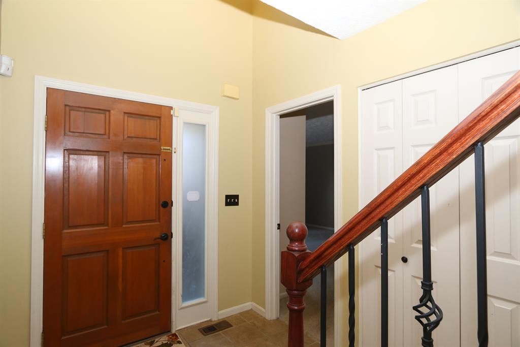Foyer for 11722 Gable Glen Ln Symmes Twp., OH 45249