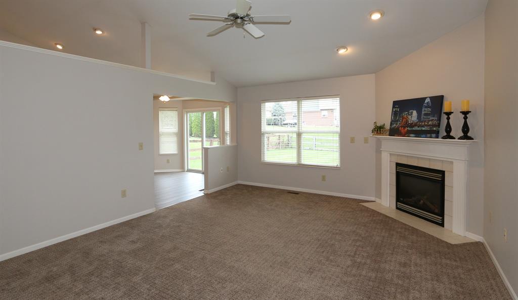 Living Room for 6328 Deermeade Dr Florence, KY 41042