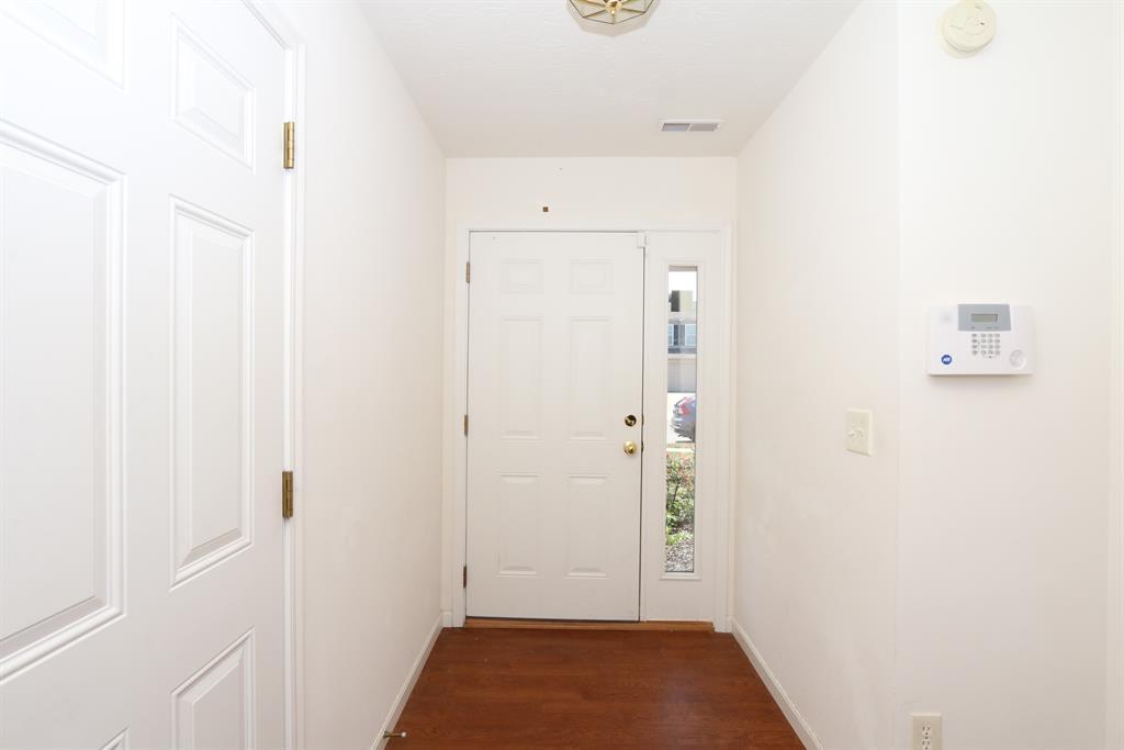 Foyer for 6793 Gordon Blvd Burlington, KY 41005