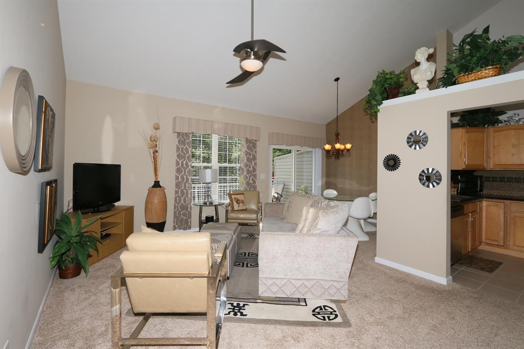 Living Room for 242 Misty Cove Way Cold Spring, KY 41076