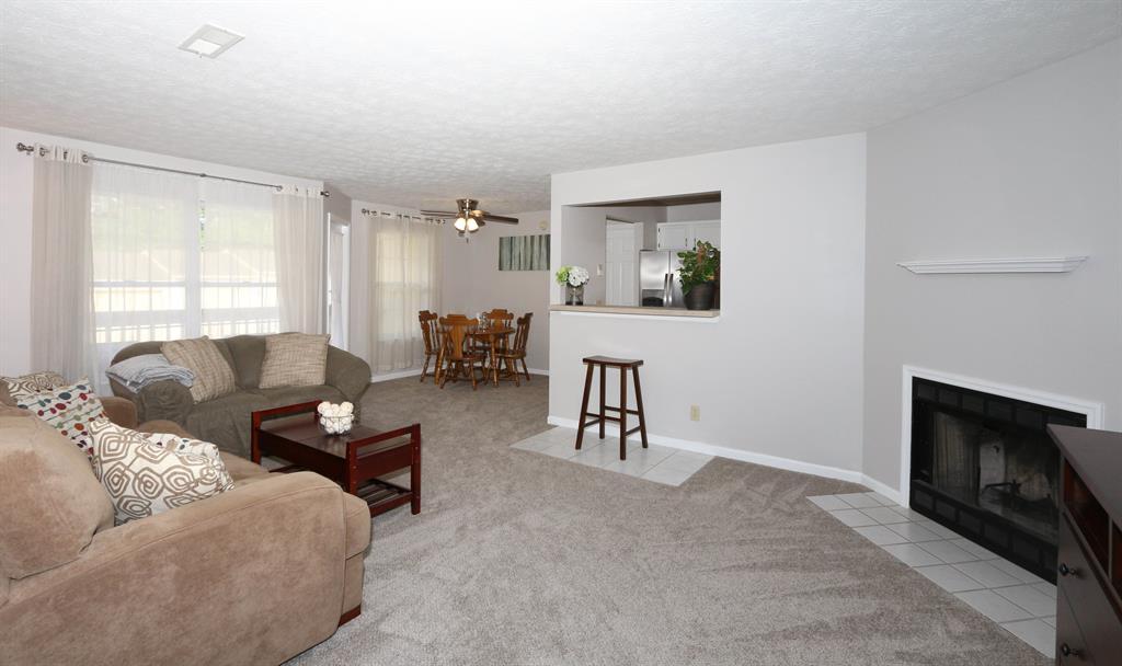Living Room for 27 Highland Meadows Cir, 5 Highland Heights, KY 41076