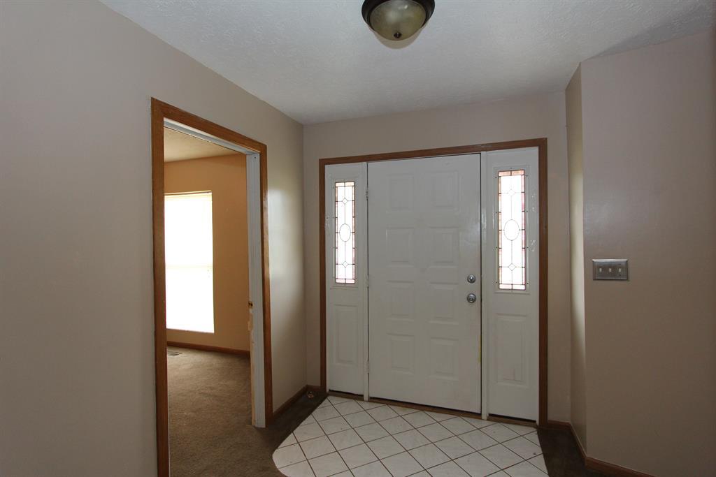 Foyer for 4439 TALCOTT Trl Trotwood, OH 45426