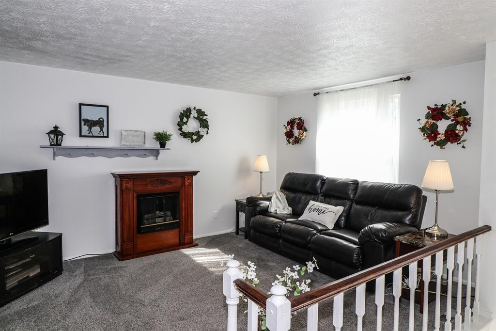 Living Room for 4 Hideaway Dr Covington, KY 41017