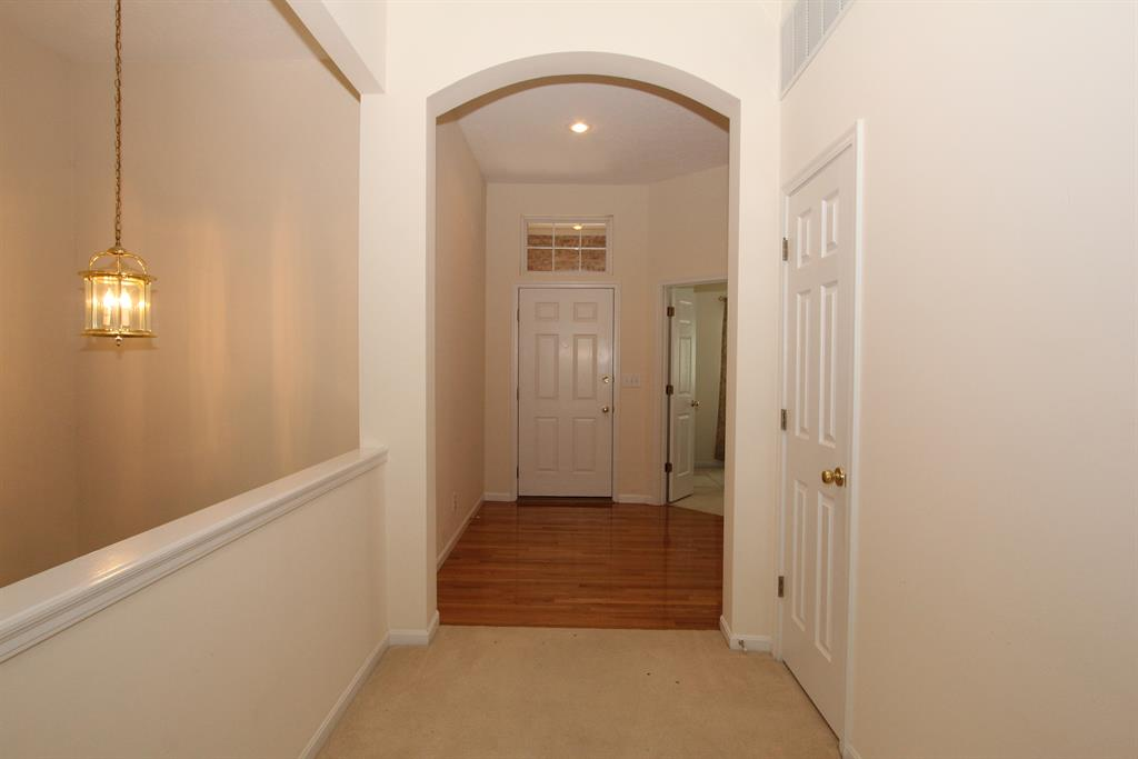 Foyer for 6546 Balcomie Ct Florence, KY 41042