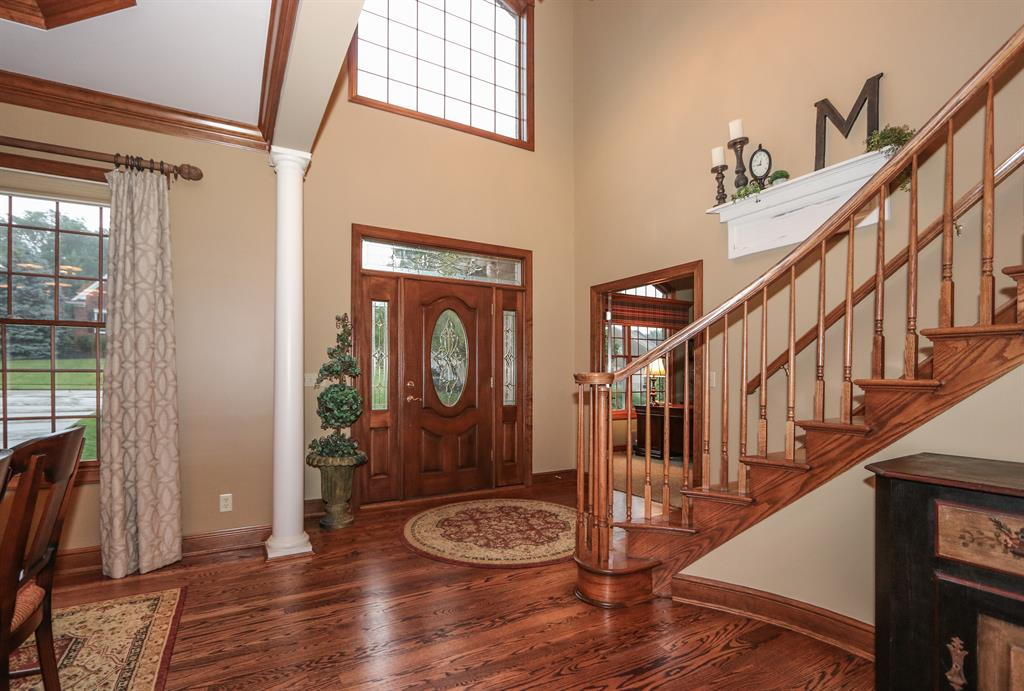 Foyer for 9984 Thoroughbred Ln Springfield Twp., OH 45231