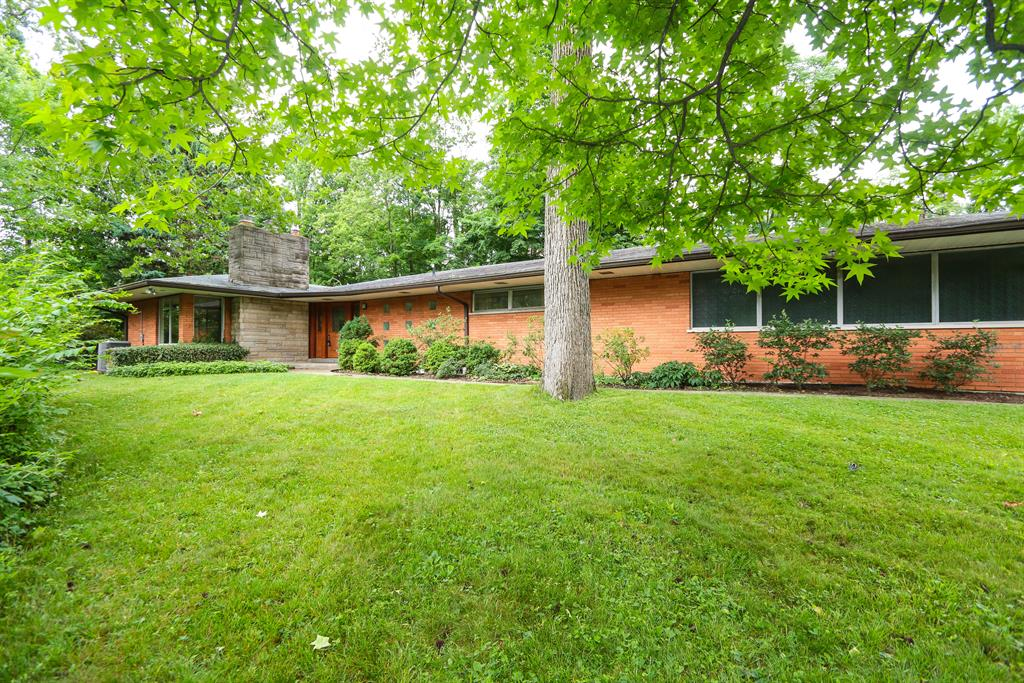 8517 Cavalier Dr Finneytown, OH
