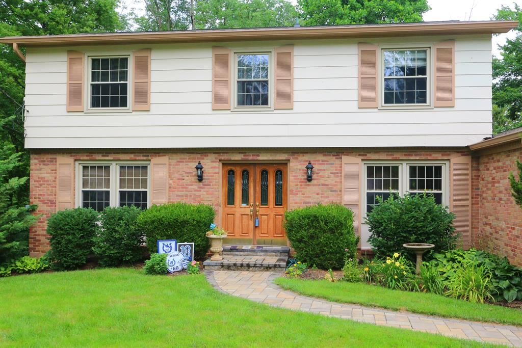 Entrance for 1326 Stonemill Ct Wyoming, OH 45215
