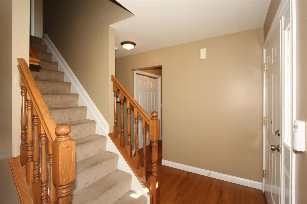 Foyer for 1210 Catletts Ct Independence, KY 41051