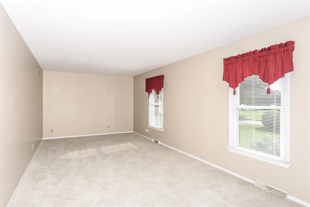Living Room for 65 Madonna Ln Cold Spring, KY 41076
