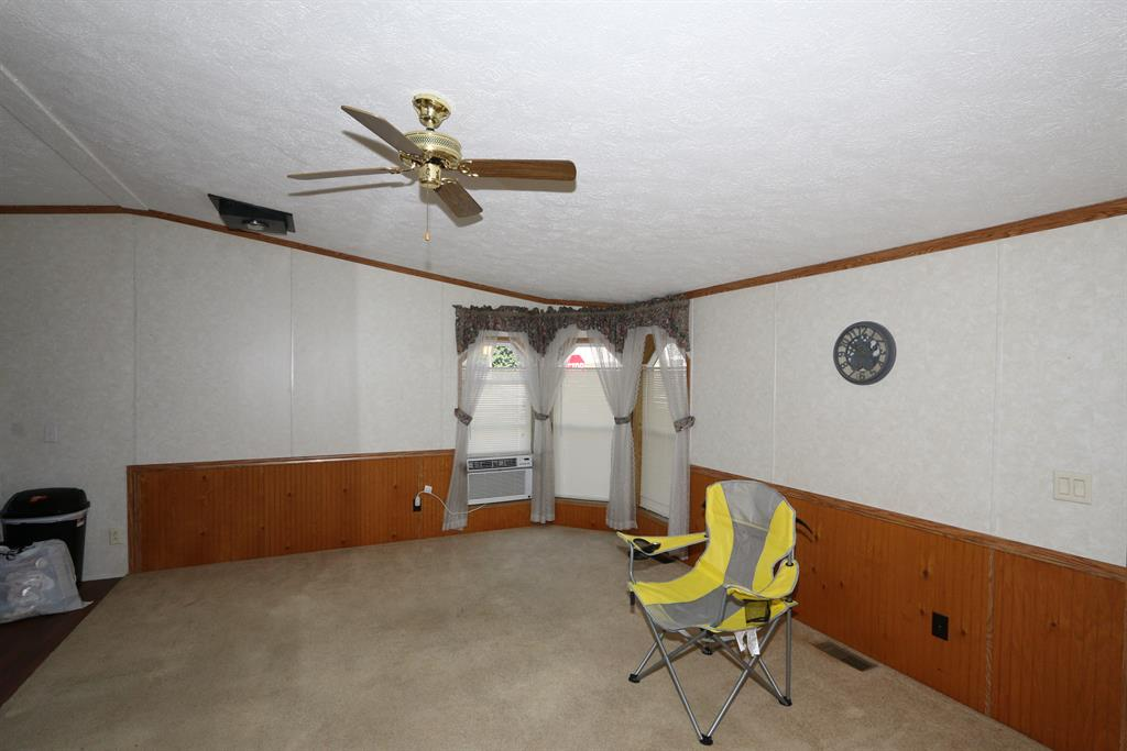 Living Room image 2 for 131 Pearl St Highland Co., OH 45142