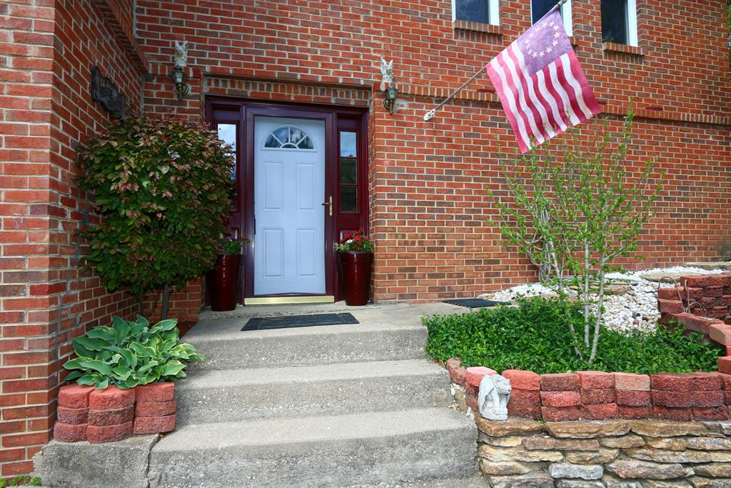 Entrance for 155 Chesapeake Ave Fort Thomas, KY 41075