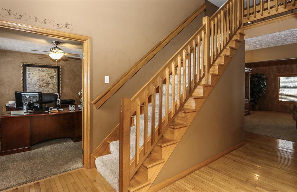 Foyer for 215 Denwood Trl Englewood, OH 45315