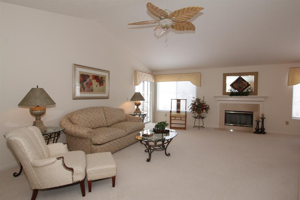 Living Room for 1522 Butler Ct, 301 Florence, KY 41042