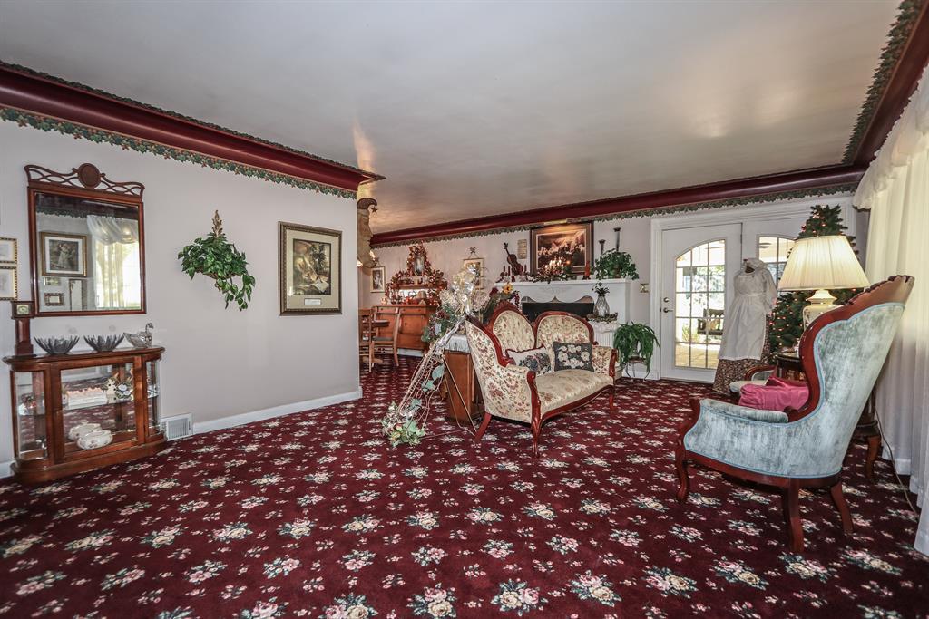 Living Room for 5960 Crestview Ave Fairfield, OH 45014