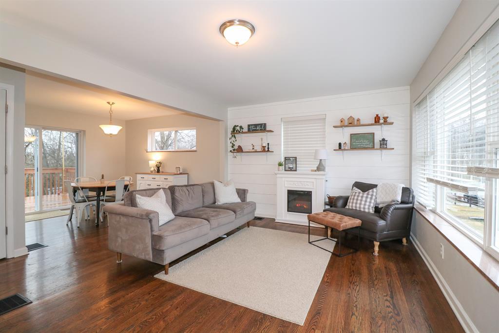 Living Room for 319 Glenroy Ave Delhi Twp., OH 45238