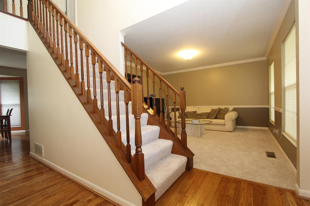 Foyer for 9988 Bent Tree Cir Union, KY 41091