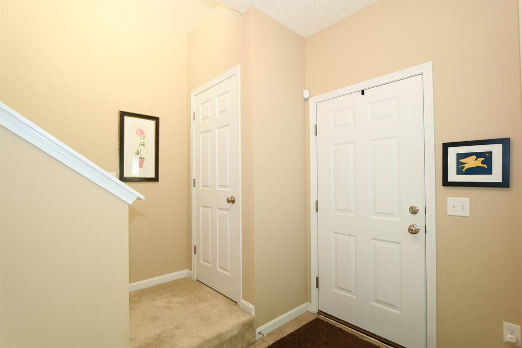 Foyer for 2508 Frontier Dr Hebron, KY 41048