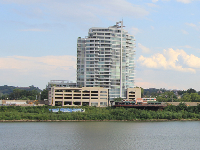 400 Riverboat Row, 802