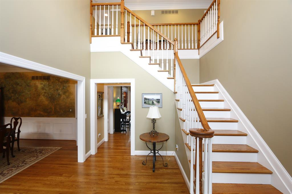 Foyer for 9120 Whisperinghill Dr Indian Hill, OH 45242