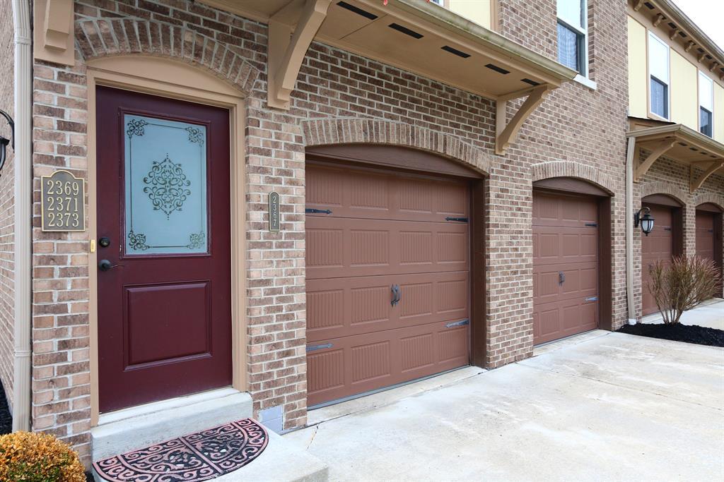 Entrance for 2367 Rolling Hills Dr Covington, KY 41017