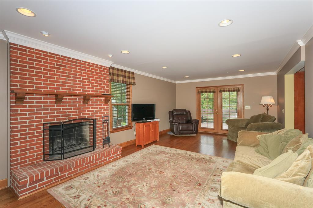 Family Room for 729 Sage Hill Dr Taylor Mill, KY 41015