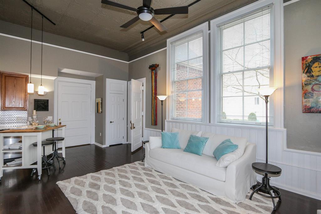 Living Room for 226 McDaniel St, 190 Dayton, OH 45405