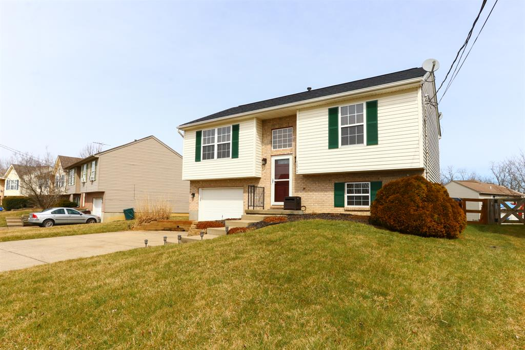 Exterior (Main) 2 for 1572 Raintree Ct Elsmere, KY 41018