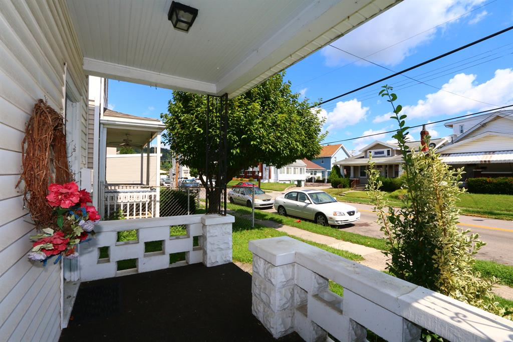 Porch for 216 Deverill St Ludlow, KY 41016