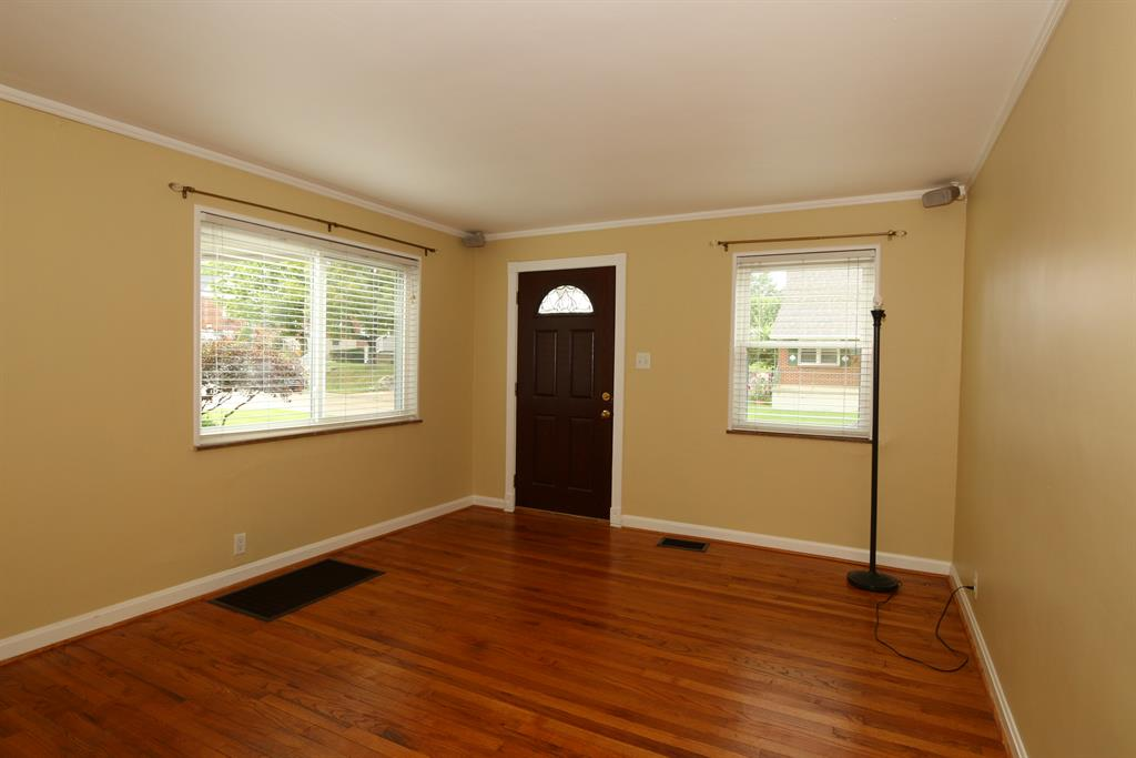 Living Room for 32 Bon Jan Ln Highland Heights, KY 41076
