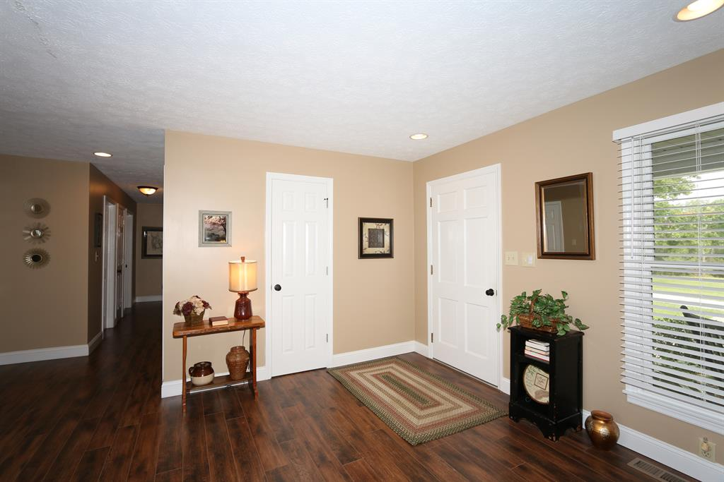Foyer for 13920 Jonesville Rd Dry Ridge, KY 41035