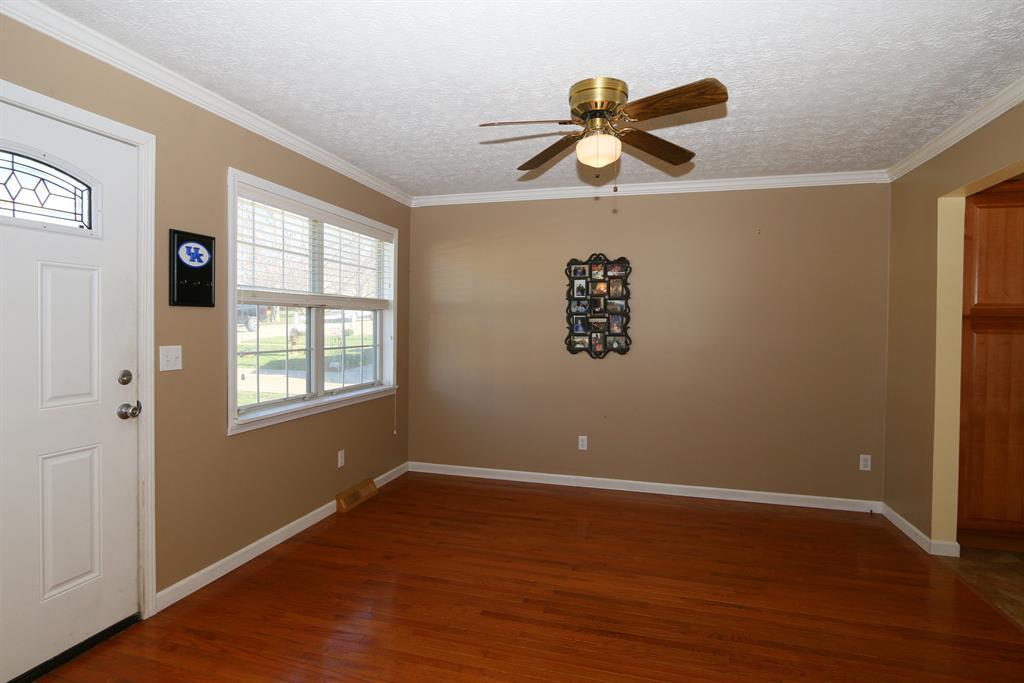 Living Room image 2 for 3309 Thomas St Erlanger, KY 41018