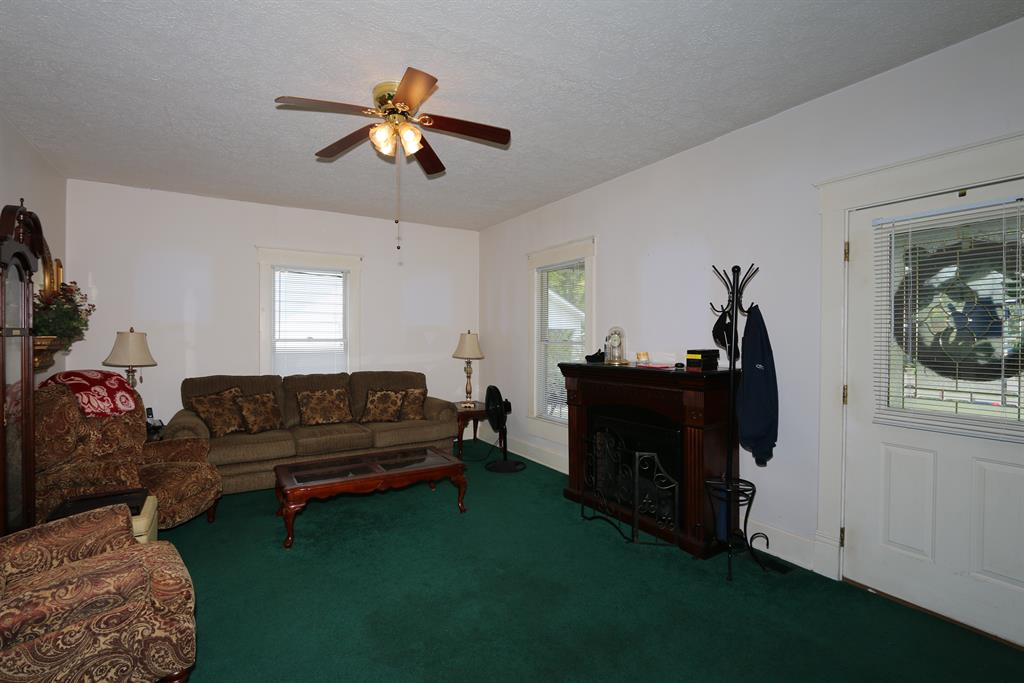 Living Room for 625 Maple Ave Falmouth, KY 41040