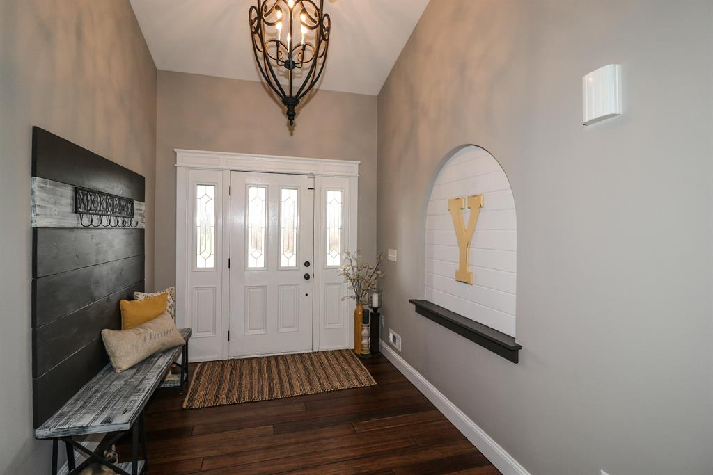 Foyer for 10956 Marshall Rd Independence, KY 41015