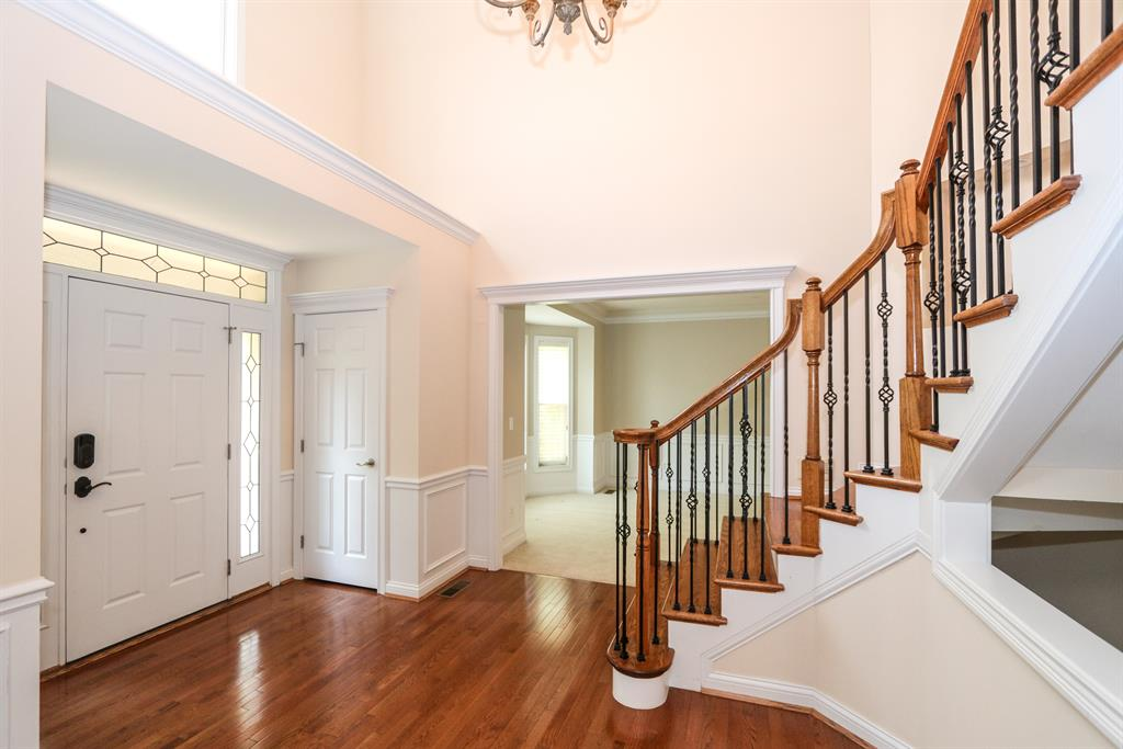 Foyer for 7630 Keller Rd Sycamore Twp., OH 45243