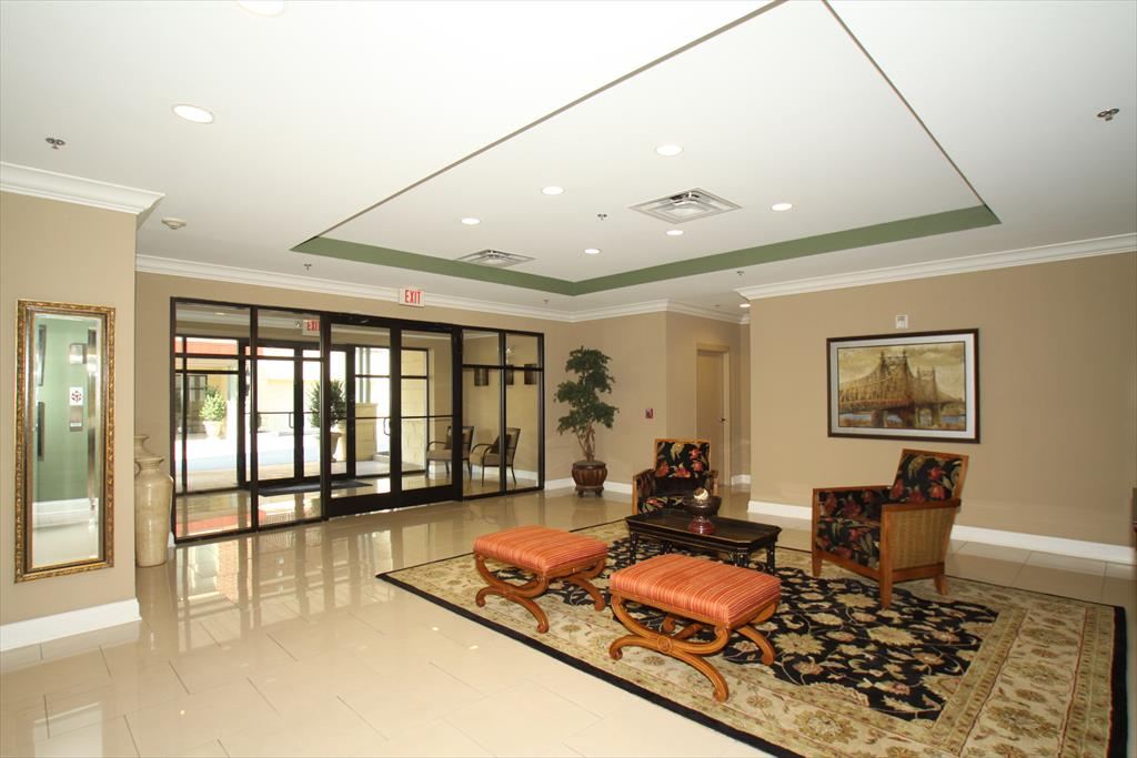 Lobby for 301 Eden Ave, 2A Bellevue, KY 41073