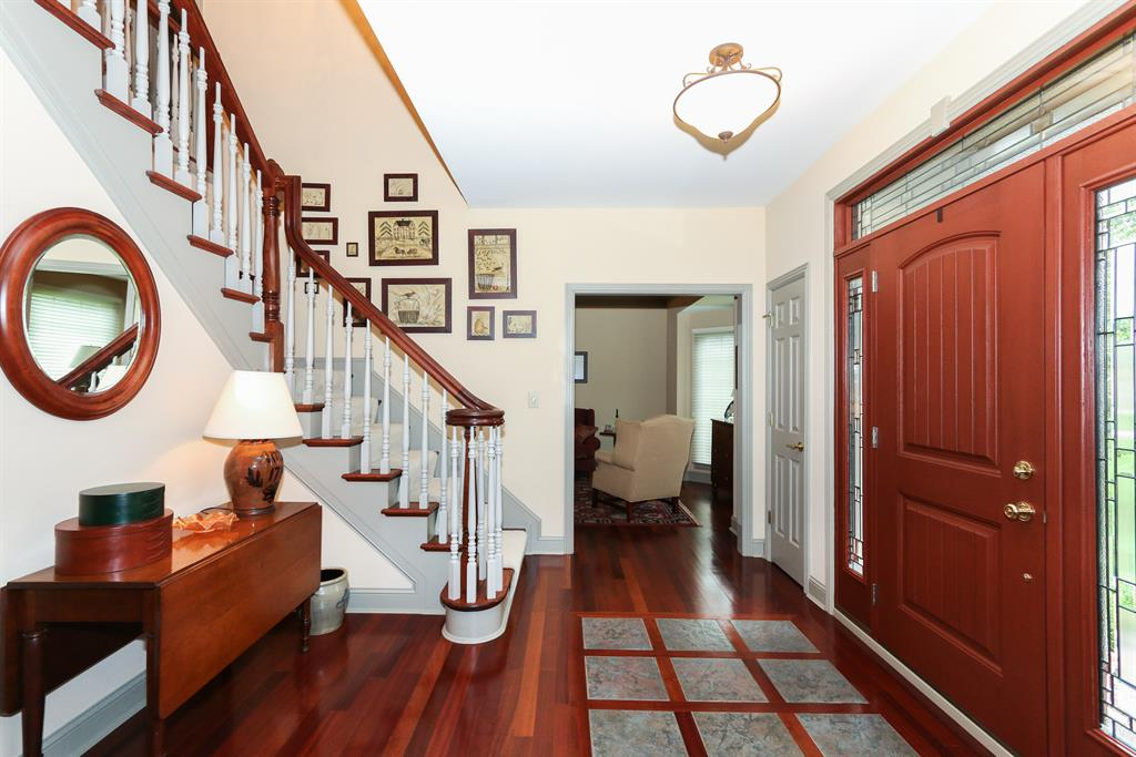 Foyer for 3508 Reeves Dr Fort Wright, KY 41017