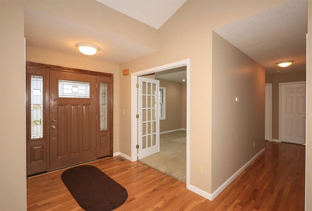 Foyer for 21959 Kuebel Rd York Twp, IN 47022