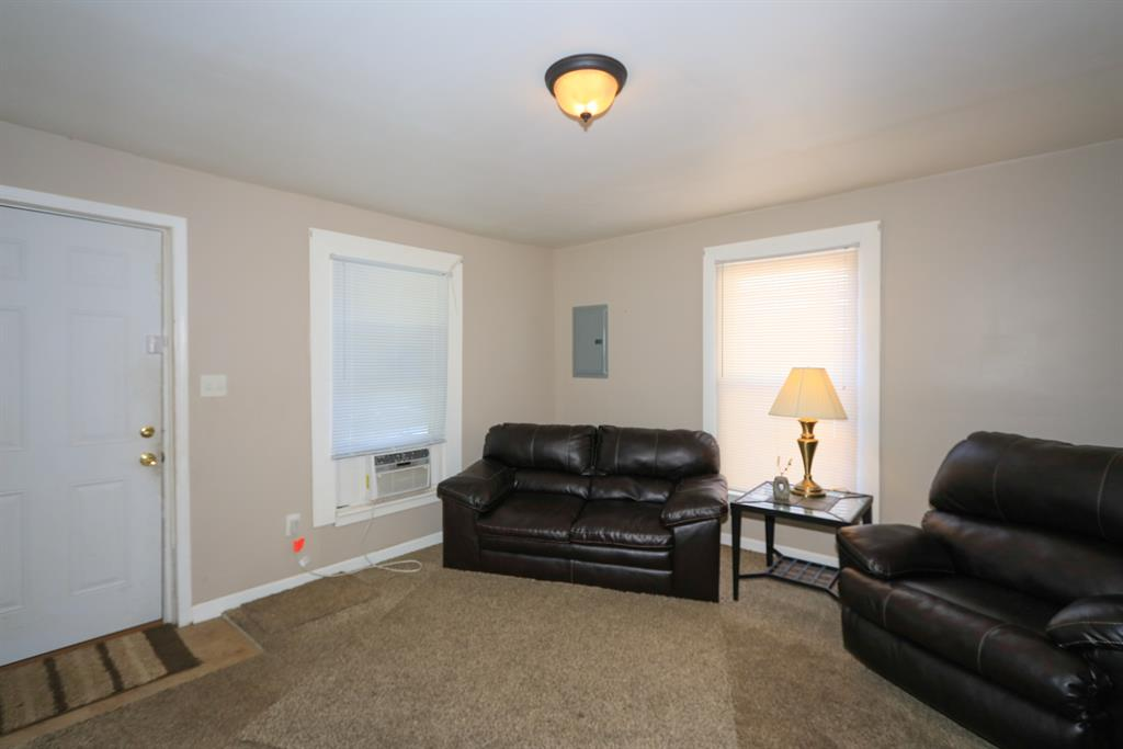 Living Room for 2535 Enid St Crescent Springs, KY 41017