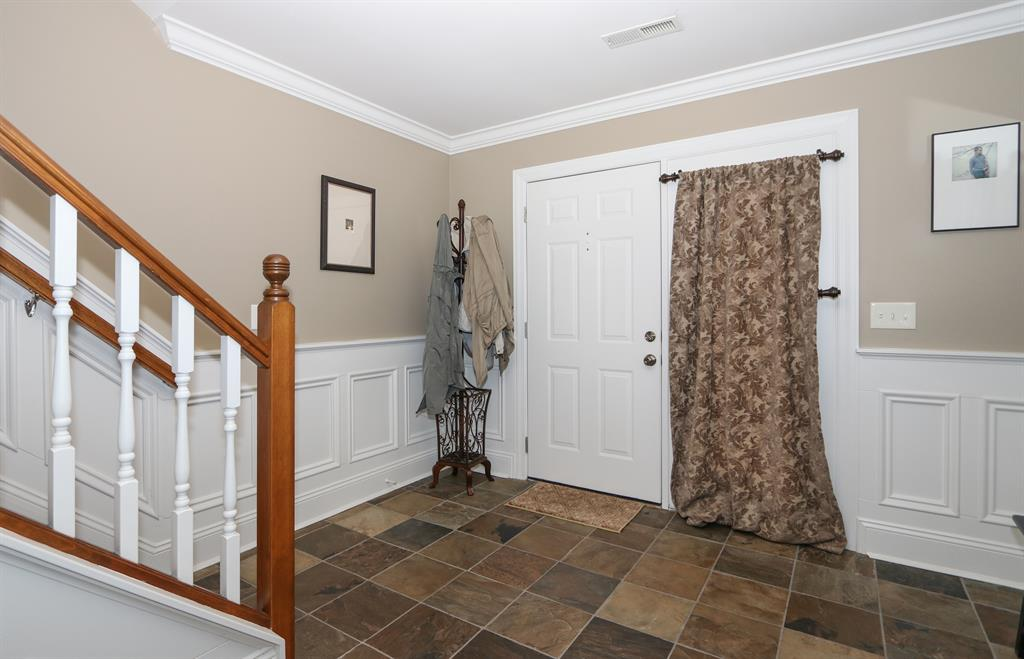 Foyer for 2907 Sequoia Dr Edgewood, KY 41017