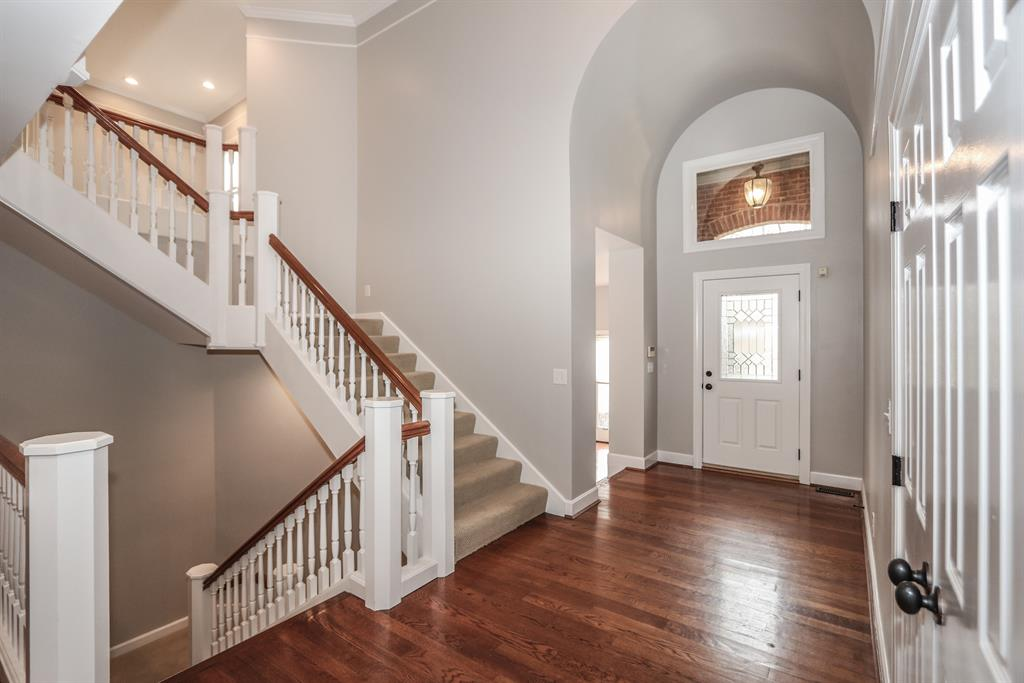 Foyer for 8919 Terwilligers Trl Montgomery, OH 45249
