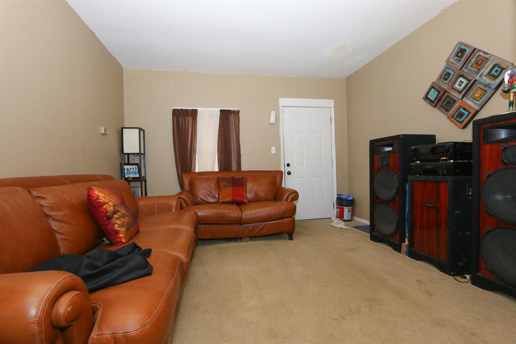 Living Room for 6415 Bauer Ave North College Hil, OH 45239