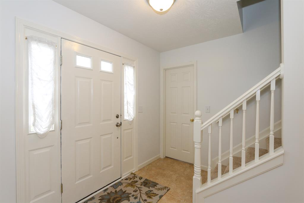 Foyer for 1370 Cairns Ct Independence, KY 41051