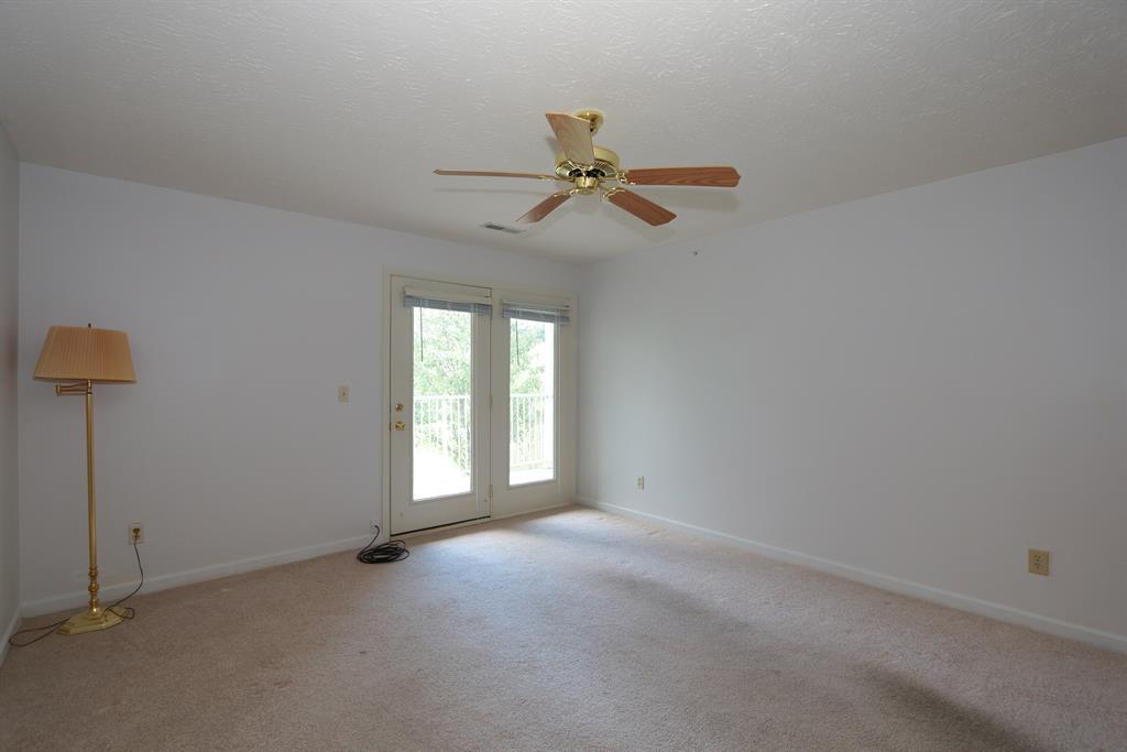 Living Room for 1065 Wellington Dr, 8 Alexandria, KY 41001