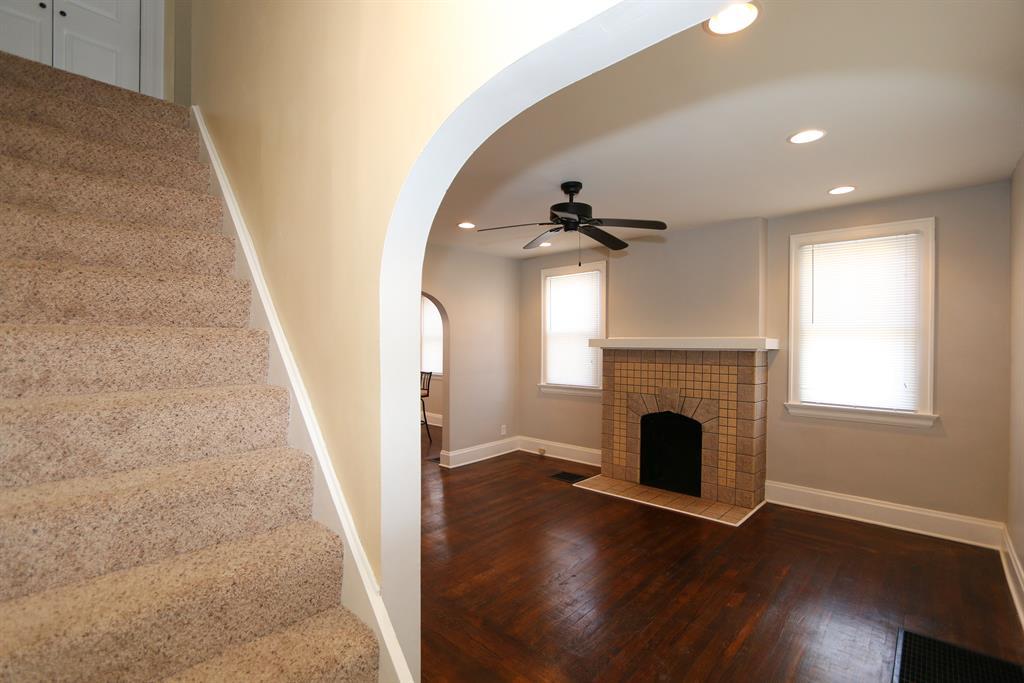 Foyer for 9 Kentucky Dr Newport, KY 41071