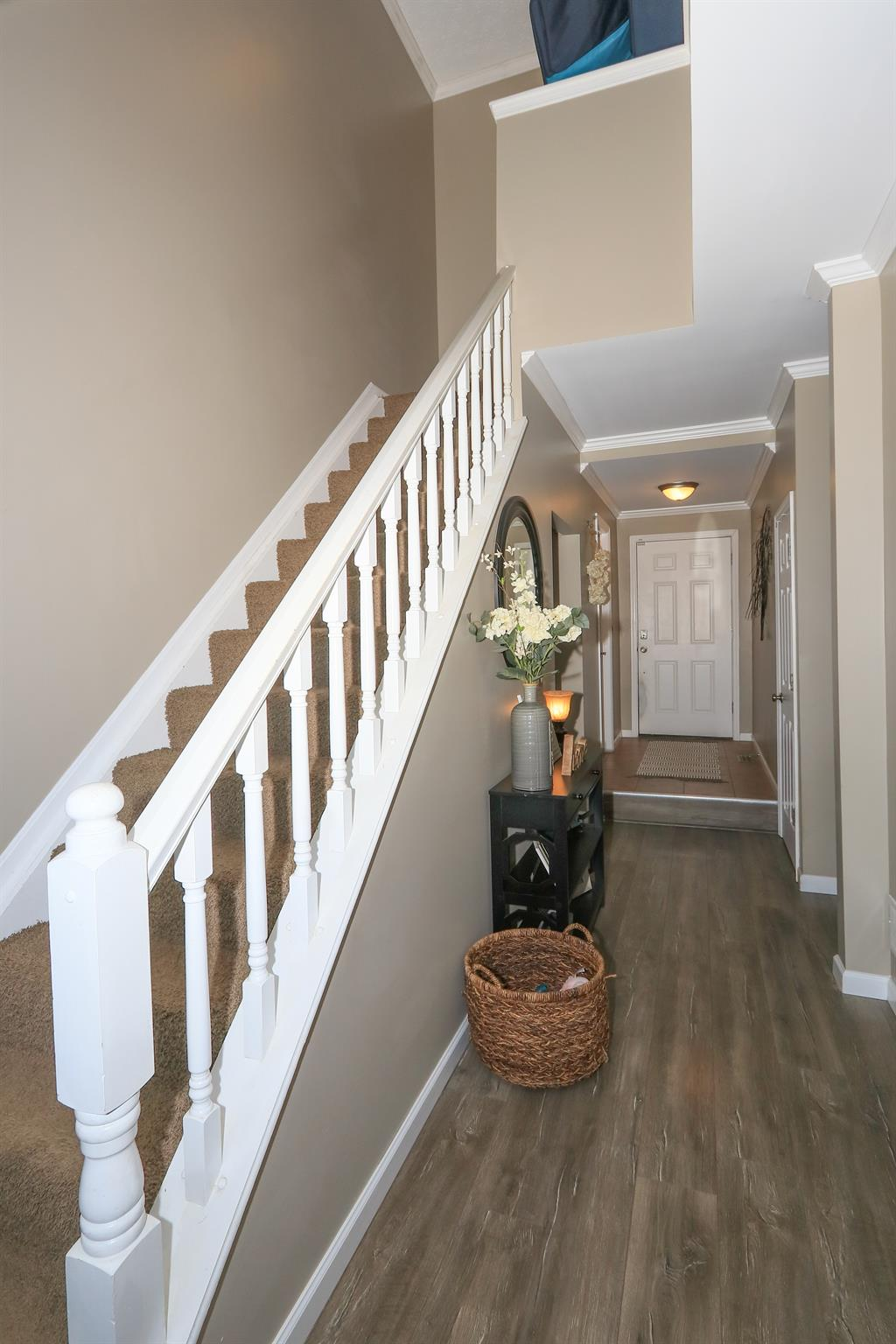 Foyer for 1006 Hackney Ct Florence, KY 41042