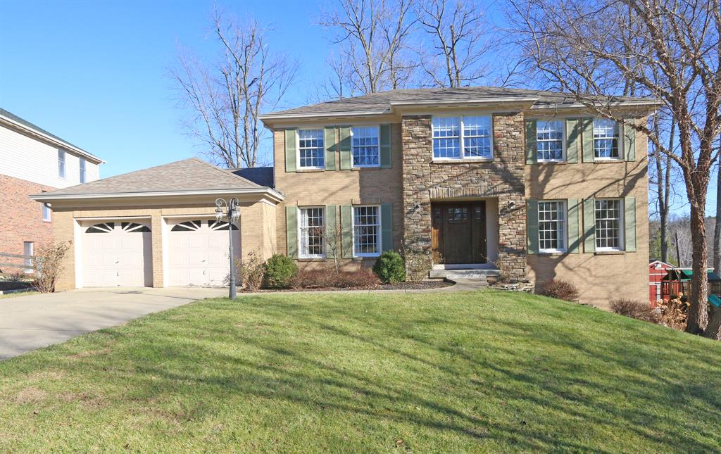 8213 Indian Trail Dr Madeira, OH